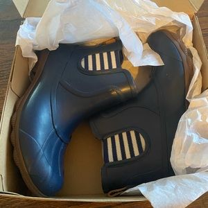 Sperry duck rain boots blue. New in box. Size 7